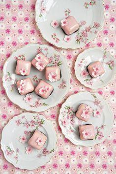 Peggy Porschen cherry blossom cakes