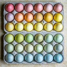 How do you plan to dye your #Easter eggs this year? We love the look of naturally dyed eggs & our very own @thenonchalantcook is sharing some tips for making naturally dyed eggs for #Easter or your #Passover Seder plate right now in our stories rn. The beauties above are by @alenafoodphoto, @yossyarefi, @reblondonfridge, @viktoriastable & @fathersworkshop respectively and are all colored w/ a various natural ingredients like red cabbage, blueberries, beets, onion skins and turmeric. Get 10+