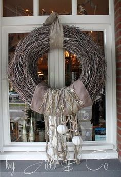 Natural wreath Christmas wreath - garden design ideas, Make your house cozy from the inside or outside with great Christmas wreaths wreath time Things to conside. Natural Christmas, Rustic Christmas, Christmas Crafts, Christmas Decorations, Xmas Wreaths, Wreaths For Front Door, Door Wreaths, Advent Wreath, Grapevine Wreath