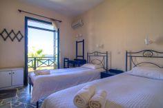 Bedroom (Villa Pirgos)