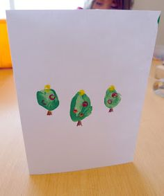 Helping Little Hands: Thumb Print Christmas Tree Cards
