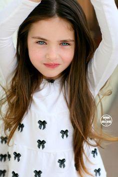 Rhiannon Maris