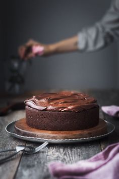 Vegan double chocolate beetroot cake is sure to surprise your palate. This decadent and fudgey cake is full of good for you ingredients you'd never expect! Delicious Chocolate, Vegan Chocolate, Chocolate Recipes, Healthy Cake, Vegan Cake, Sweet Recipes, Cake Recipes, Dessert Recipes, Brownies