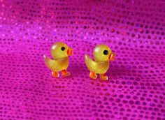 ♡♡♡♡♡♡♡♡♡♡♡ Cute Kawaii Cyber Pastel Goth Punk Sparkly Yellow Duck Chicken Chick Earrings Studs Piercings Accessories ♡♡♡♡♡♡♡♡♡♡♡ Super cute earrings with sparkly yellow ducks on them! ~~~~~~~~~~~~~~~~~~ Made to order, so may vary slightly to the photos! ♡♡♡♡♡♡♡♡♡♡♡ Message me for any questions! ~~~~~~~~~~~~~~~~~~ ♡♡♡♡♡♡♡♡♡♡♡