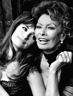 Two of my favorite beautiful women! Penelope Cruz and Sophia Loren photographed by Annie Leibovitz