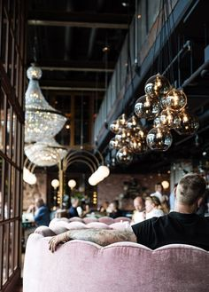 modern hotel What was once an 18 story steam power plant in Sweden is now the Steam Hotel. Restaurant Lighting, Restaurant Design, Station Restaurant, Pink Restaurant, Modern Restaurant, Design Hotel, Hotel Lounge, Bar Lounge, Century Hotel