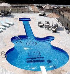 Yaz geldi, şimdi serinlemenin tam zamanı. Siz hangi havuzda serinlemek isterdiniz?