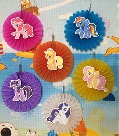 My Little Pony 6 Mini Hanging Fan Decorations by CricutCraftyCuts Festa Do My Little Pony, Little Pony Cake, My Little Pony Birthday Party, My Little Pony Comic, Mlp My Little Pony, Rainbow Dash Birthday, Rainbow Dash Party, Unicorn Themed Birthday, Unicorn Party