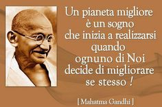 Non lasciare passare nemmeno un minuto per ritrovare te stesso ed il senso delle cose .Do not let go even a minute to find yourself and the meaning of things Mahatma Gandhi, Rabindranath Tagore, Dalai Lama, Bukowski, Osho, Quotes About God, Peace And Love, Namaste, Slogan