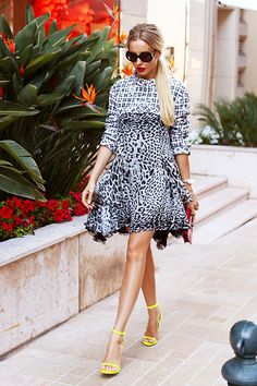 Every women wants to be in wow fashion style. Preppy, Street Style, Chic, Casual, How To Make, Inspiration, Dresses, Google, Women
