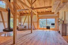 Highlight in diesem Landsitz im Salzburger Land ist die großzügige Living Area. Die Panoramaterrasse begeistert mit einer herrlichen Aussicht und einem beheizbaren Pool. Pergola, Divider, Outdoor Structures, Room, Furniture, Home Decor, Patio, Farm Cottage, Real Estates