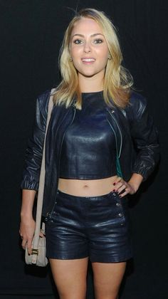 Sexy Blonde in kinky black Leather Shorts, cropped Leather Top and matching Leather Jacket Black Leather Shorts, Leather Jacket, Sexy Outfits, Fashion Outfits, Leder Outfits, Leather Lingerie, Leather Dresses, Hot Pants, Leather Fashion