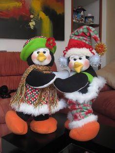 BUSCO !!!!!!!!!!!!!!! 8 de mayo de 2013 - claudia liliana ramirez moreno - Álbumes web de Picasa Diy Christmas Door Decorations, Christmas Window Display, Holiday Decor, Christmas Candy, Christmas Humor, Christmas Ornaments, Beaded Ornaments, Felt Crafts, Sewing Crafts