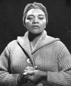 When Juanita Moore became only the third African American nominated for a supporting-actress Oscar, she made headlines and history - but that's about it. For a year after her 1960 nomination,...