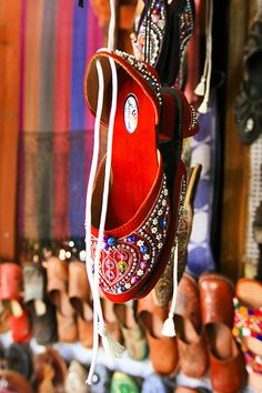 colorful shoes of Jaipur
