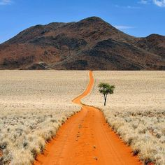 The desert of Namibia : pics - Namibia Travel Destinations Landscape Photography, Nature Photography, Travel Photography, Places To Travel, Places To See, Travel Destinations, Beautiful World, Beautiful Places, Deserts Of The World