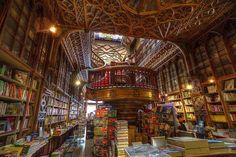 "Photo Credit : Dapsul Zabelthau 中""Lero bookstore"" in Portugal Bg Design, House Design, Amazing Architecture, Art And Architecture, Beautiful World, Beautiful Places, Beautiful Library, Gaudi, Beautiful Landscapes"