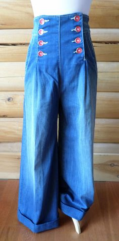 Womens Size 27 in. Fresh Ink High Waisted Sailor Jeans, Wide Leg, Red Buttons