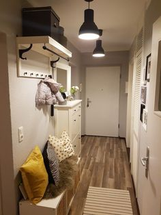 Great Absolutely Free narrow hallway Concepts In lots of dormitories Ikea bedrooms are very happy to be observed, as they provide numerous alterna Hallway Decorating, Entryway Decor, Rustic Entryway, Deco House, Ikea Bedroom, House Inside, Cute Home Decor, Paint Colors For Home, Sweet Home