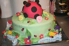 Cake at a Ladybug Party #ladybug #partycake