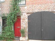 VRBO.com #430555 - Charming 1853 Carriage House on Jones Lane.