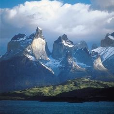 Chile, Central + South America: The peaks of Cuernos del Paine, inside the Torres del Paine park, Chilean Patagonia. Oh The Places You'll Go, Places To Travel, Places To Visit, Travel Destinations, Parc National Torres Del Paine, Cap Horn, Cool Winter, Equador, All Nature