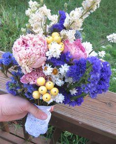Country Chic Bridal Bouquet for Bride or par thecoralboutique