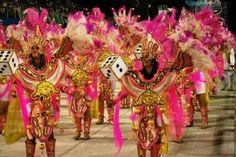Rosas de Ouro é a segunda escola a desfilar em São Paulo no Carnaval 2013