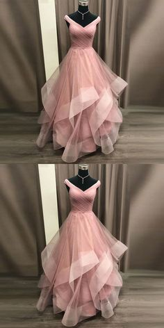 Gorgeous Gowns 2019 Princess Prom Dress Off The Shoulder Formal Gown For Evening Layered Tulle Skirt Mode Dress Evening Formal Formelle kleider Gorgeous Gown Gowns Layered Princess Prom Shoulder Skirt Tulle Prom Dresses Long Pink, Princess Prom Dresses, Evening Dresses For Weddings, Ball Dresses, Homecoming Dresses, Dresses For Teens, Ball Gowns, Wedding Dresses, Pink Princess Dress