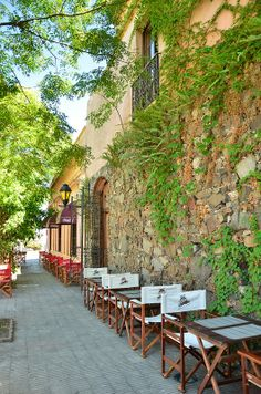 Restaurant in Colonia del Sacramento | Photo by Renata Souza on Flickr