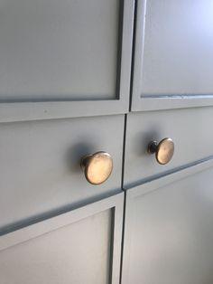 My brass knobs from The Foundryman ❤️❤️ Brass Drawer Pulls, Brass Handles, Knobs And Pulls, Door Hooks, Wall Hooks, Brass Coat Hooks, Cupboard Door Knobs, Decorative Hooks, Stainless Steel Screws