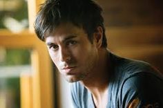 See Enrique Iglesias pictures, photo shoots, and listen online to the latest music. Enrique Iglesias, Music Pics, Music Videos, Spanish Men, Actrices Hollywood, My Favorite Music, Favorite Things, Beautiful Men, Songs