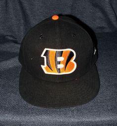 NEW Official NFL New Era Cincinnati Bengals Classic Logo Fitted Men s 7 1 4  Cap  NewEra  CincinnatiBengals c75a0d4e436e