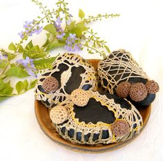 Crochet, lace stone - 3 Nature decorated black river pebble stones, covered with vintage bobbin lace motif, hand made.