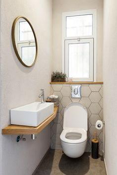 Small Downstairs Toilet, Small Toilet Room, Guest Toilet, Toilet Room Decor, Small Utility Room, Sweet Home Design, Modern Powder Rooms, Powder Room Design, Style Deco