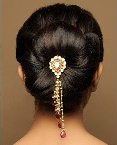 Juda Hairstyle For Short Hair Videos : ideas about Indian Bridal Hairstyles on Pinterest Indian Bridal Hair ...