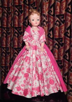 Vintage Madame Alexander Cissy Doll #DollswithClothingAccessories