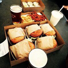 I never thought it could happen!  I have a new favorite burger even over #Stevenett and #innout #GottsRoadside #flippingvegas #goliathcompany #TaylorsRefreshers