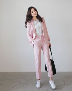 Fashion ideas on korean fashion outfits 580 Smart Casual Fashion Women, Korean Girl Fashion, Korean Street Fashion, Ulzzang Fashion, Korea Fashion, Smart Casual Women Office, Womens Fashion, Korean Fashion Office, Korean Fashion Casual