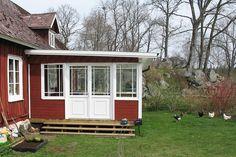 inglasad veranda - Sök på Google Conservatory, Shed, Cottage, Outdoor Structures, Interior Design, Modern, Tv, Home, Google