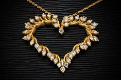 Necklace Jewellery – Top Trends and Fashions #NecklaceJewellery #TopTrendsandFashions #AntiqueJewellery #KundanJewellery  #BridalJewellery #PearlJewellery #PaperJewellery