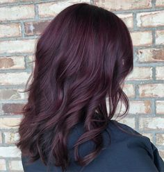 38 Best Burgundy Hair Color Ideas of 2019 - Yummy Wine Colors Dark Auburn Hair, Hair Color Auburn, Golden Brown Hair Color, Hair Color Dark, Wine Red Hair Color, Color Black, Ombre Hair Long Bob, Short Hair, Pelo Color Vino