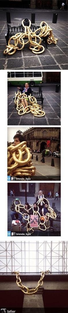 """Colectivo """"SIN TITULO"""" siguiendo con su interés de promover la Joyería Contemporánea en México presentó en la plaza de Santo Domingo del Cen..."""