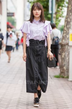 Japanese Streets, Japanese Street Fashion, Waist Skirt, High Waisted Skirt, Shibuya Tokyo, Tokyo Streets, Tokyo Street Style, Street Snap