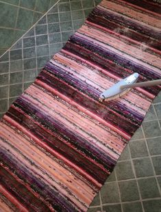 Rya Rug, Loom Weaving, Recycled Fabric, Woven Rug, Projects To Try, Rugs, Home Decor, Rug Weaves, Farmhouse Rugs