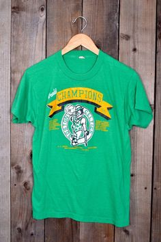 cba3caaefd92 Vintage 80s Boston Celtics NBA champions parish bird screen stars medium t- shirt