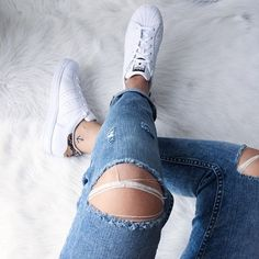 Pin for Later: 16 Fashion-Girl-Approved Ways to Show Off Your Stylish Tattoo To Show Off Your Ankle Tattoo Wear a pair of cropped jeans.