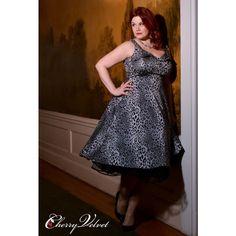Elly Dress - Silver Leopard - Only XS left! Funny Fashion, Retro Fashion, Womens Fashion, Silver Dress, Gold Dress, Pin Up, Vintage Inspired Dresses, Leopard Dress, Vintage Velvet