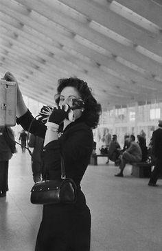 Stazione di Roma Termini, 1956.  Photo: René Burri.