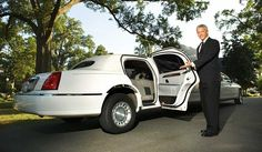 Limo Service, NYC couldn't have been more affordable as much as with American Limo Car. We aim to offer the best services within the best rates. We are quick, on time and always at the customer's earliest service with our NYC Limo car service.